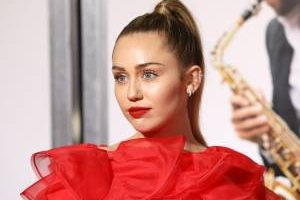 Twitter: SBLV Meaning – Miley Cyrus' Hashtag Explained
